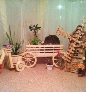 Деревянные изделия для декора сада или кафе .
