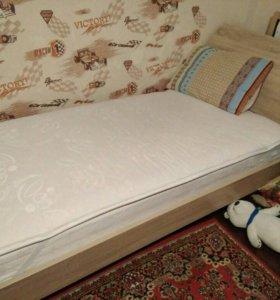 Детская кровать+матрас.