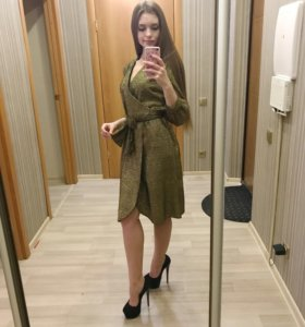 Новое нарядное платье