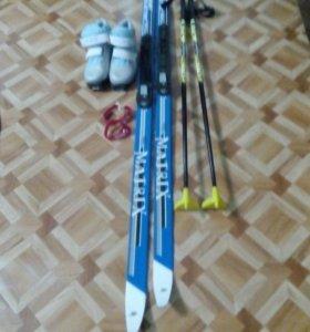 Лыжи+ботинки(33размер)+палки