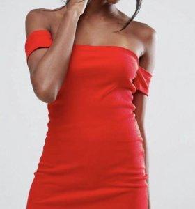 Платье новое с бирками!