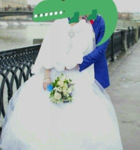 Свадебный образ - наряд: платье и шубка
