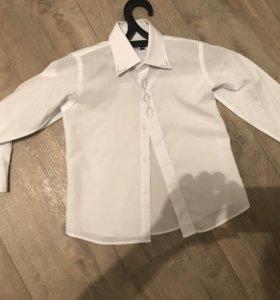 Рубашка на мальчика белая