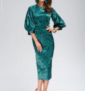 Платье тёмно-зелёное