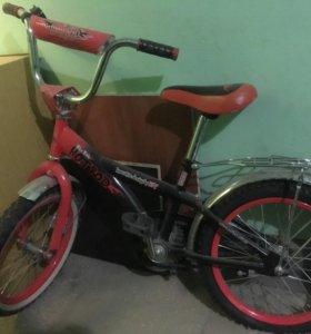 красный велосипед 3000, синий 2500
