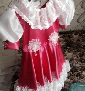Розовое красивое платье