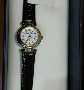 Часы с бриллиантом