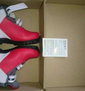 Лыжные ботинки детские размер 33