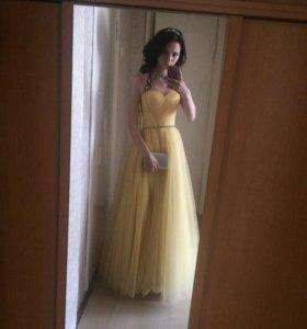Красивое платье!Хороший торг
