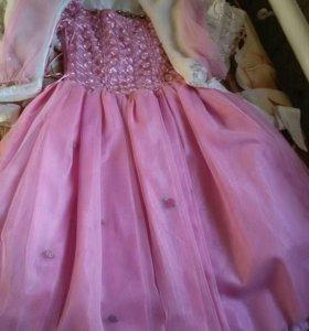 Детское платье розовое для возраста 7-10 лет.