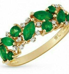 Кольцо золотое с бриллиантами и изумрудами