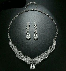 Гребень, ожерелье и серьги набор