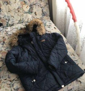 Курточка демисезонная на мальчика 10-11 лет
