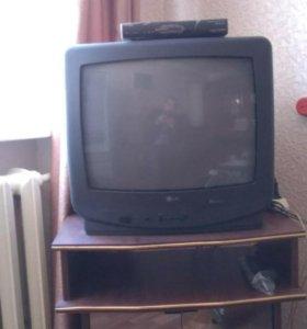 Телевизор LG с пультом