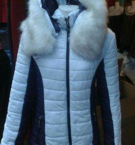 Зимняя куртка.Белая с синими вставками