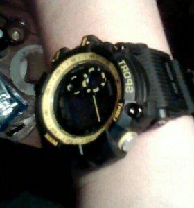 Часы водонепроницаемые ,подсветка ,секундомер,буди
