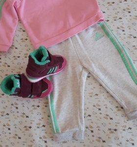Спортивный костюм для девочки Адидас.74-80см