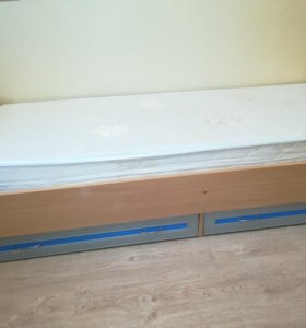Шкаф, детские кровати, пенал
