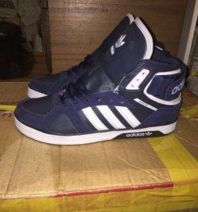 Новые зимние мужские кроссовки Адидас