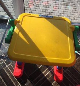 Детский стол, парта