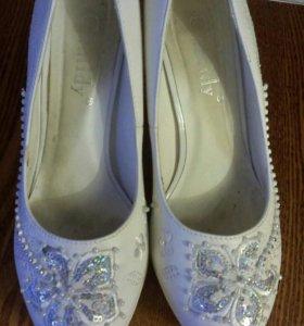 Туфли белые свадебные