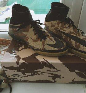 Футзалки Nike Hyperwenom