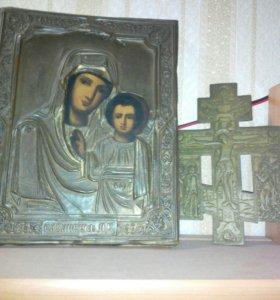 Икона и крест восьмиконечный.