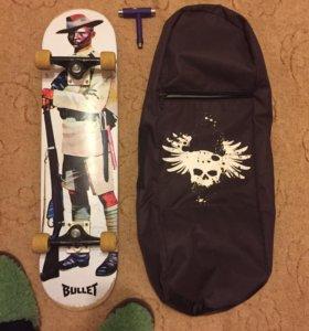 Скейтборд и чехол