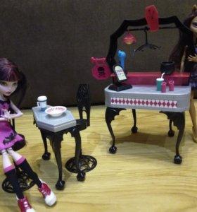 Игровая мебель для кукол+2 куклы Monster Hight