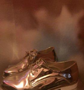 Ботинки лакированные (золото)