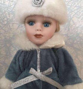 """Фарфоровая кукла """"Снегурочка"""""""