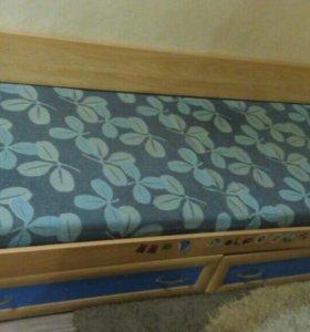 Кровать с ящиками для белья