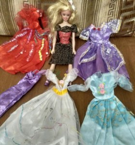 Кукла Барби и одежда для неё