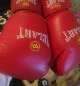 Боксерские перчатки + боксерские бинты