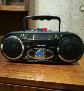 Магнитофон и радио.