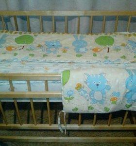 Кроватка детская с комплектом белья и матрасом