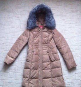 Женское зимнее пальто.