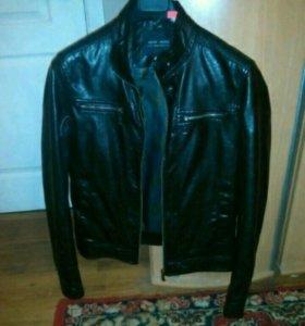 Куртка кожаная 46 р S.. На подростка