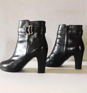 Ботинки на каблуке Ralph Lauren