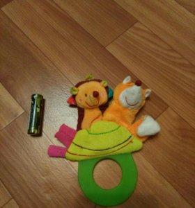 Детская игрушка ёжик и лисенок