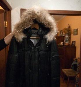 утепленная кожаная куртка с меховым капюшоном