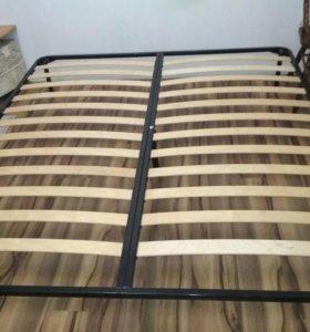Кровать 180 *200 с матрасом
