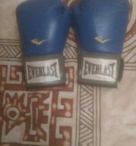 Боксерские перчатки EVERLAST