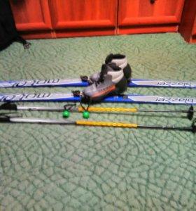 Лыжи и ботинки с креплениями