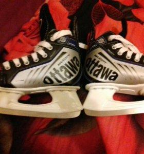 Новые хокейные коньки