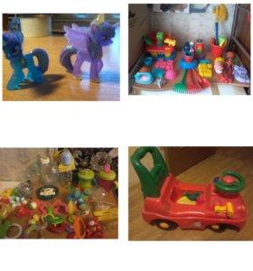 игрушки в ассортименте  от 300 до 500руб