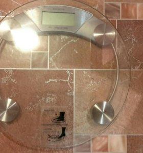Весы напольные электронные Polaris