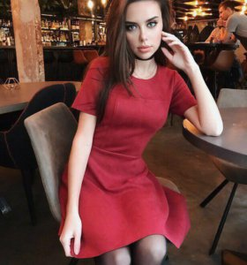 Платье велюровое бордовое расклешенное