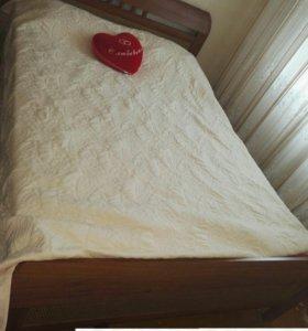 Продаем кровать и 2 тумбы.