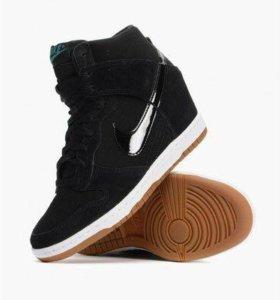 Сникерсы Nike